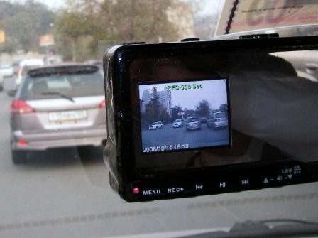 Видеорегистратор в зеркале заднего